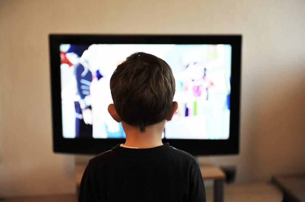 子供、テレビ、ドラマ、見る