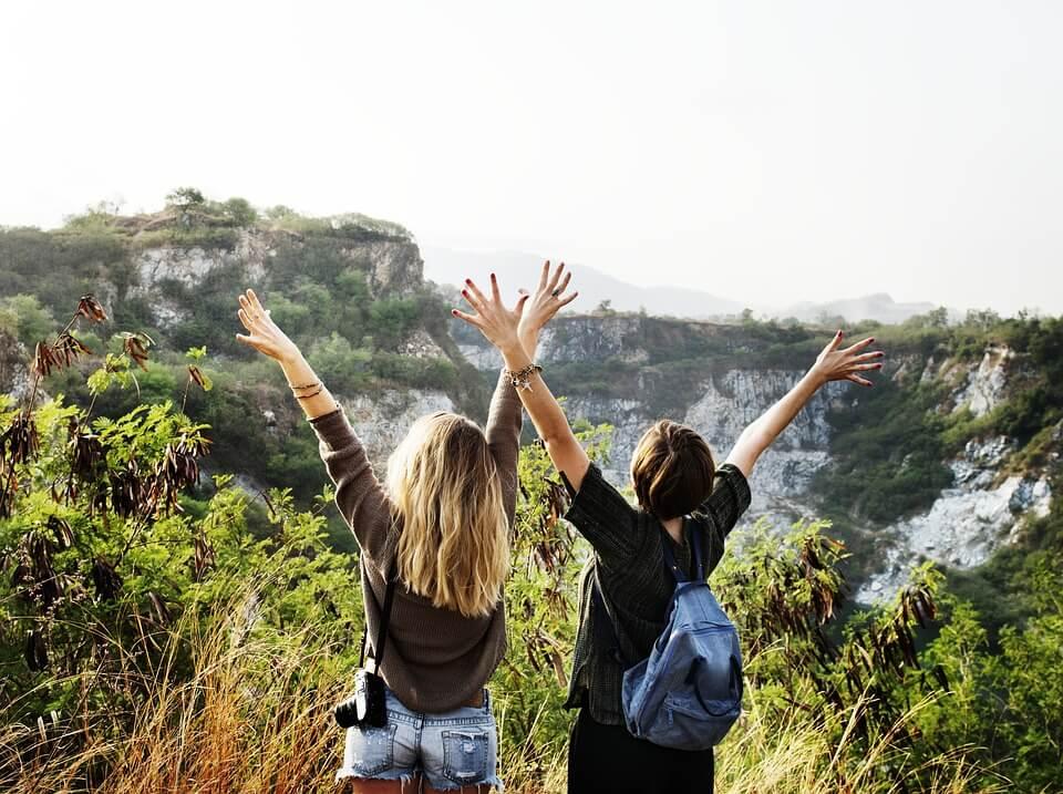 楽しむ、はしゃぐ、自由