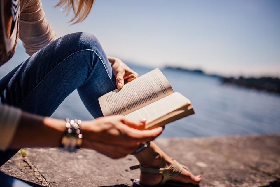 読書、本、ブック、女の子